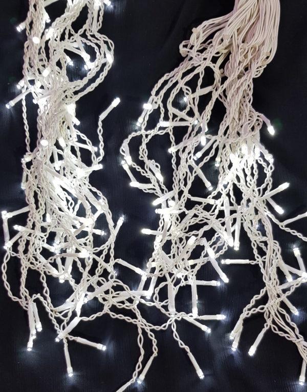 Icicle LED Christmas light string x 200 White