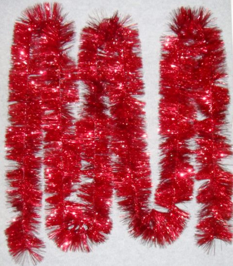 Tinsel 5.5m (18ft) 4 ply – 150mm Red