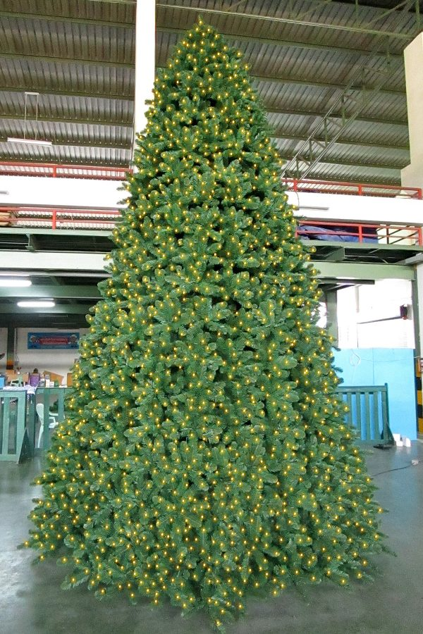 Pinewood Spruce Christmas Tree Outdoor with Lights